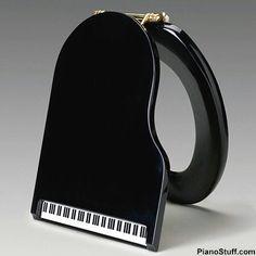 Piano toilet seat cover