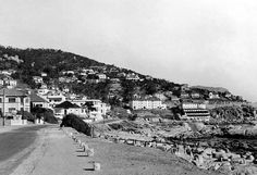 Another oldie – Bantry Bay in 1937 Old Pictures, Old Photos, Vintage Photos, Cities In Africa, Botany Bay, Cape Town South Africa, Most Beautiful Cities, African History, Live