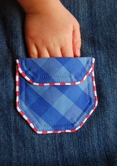 pocket tutorials - tons of great ideas! I especially love the pocket quilt! :)