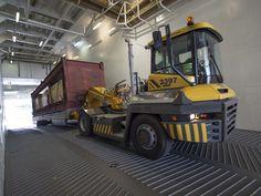 Sicherer Schwerlasttransport auf steilen RoRo-Rampen - http://www.logistik-express.com/sicherer-schwerlasttransport-auf-steilen-roro-rampen/