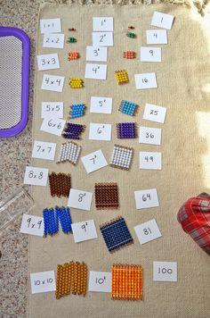 Enseñando potencias con material Montessori