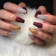 25 Elegant Nail Designs to Inspire Your Next Mani Gallery of unique nail art designs for any season and reason. Marble Nail Designs, Elegant Nail Designs, Fall Nail Art Designs, Elegant Nails, Water Nails, Fall Acrylic Nails, Fall Nails, Holographic Nails, Perfect Nails