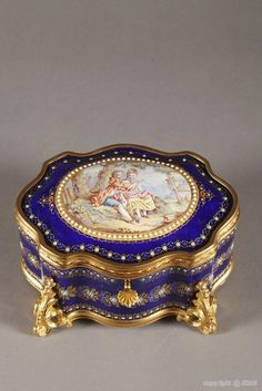 Mid-19th century French Bresse enamel casket with gallant scene