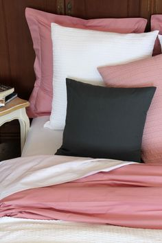 Fundas de cojines 100% de algodón de 200 hilos. Cushion covers 100 % cotton 200 thread count.