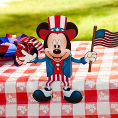 Mickey's 4th of July Candy Box