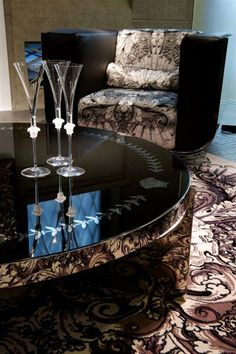 Versace Home Eclipse Coffee Table---love the chair too! Donatella Versace, Gianni Versace, Versace Versace, Dream Furniture, Home Furniture, Furniture Design, Geometric Furniture, Versace Home, Expensive Houses