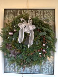 Christmas wreath All Things Christmas, Christmas Time, Christmas Gifts, Christmas Ideas, Christmas Wreaths, Holiday Decorations, Wonderful Time, Craft Ideas, Gardening
