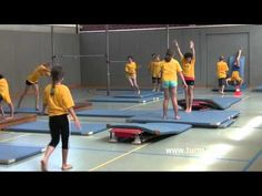 YouTube School Sports, Kids Sports, Gymnastics Lessons, Pe Class, Educational Videos, Coaching, Basketball Court, Sporty, Student