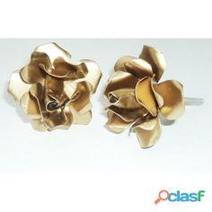 Puxador de flor dourado