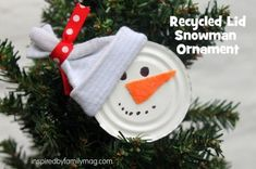 Christmas Ornament Craft {using recycled items}: Easy Peppermint Candy ornaments Easy Christmas Ornaments, Homemade Christmas Decorations, Christmas Crafts For Kids, Simple Christmas, Handmade Christmas, Holiday Crafts, Snowman Ornaments, Christmas Items, Christmas Tree