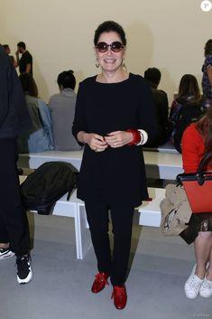 A consultora de moda Gloria Kalil foi ao desfile do estilista Vitorino Campos no terceiro dia de SPFW, 27 de abril de 2016