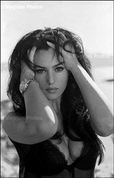 young-bellucci's blog - Page 129 - Monica Bellucci , PHOTOS INEDITES -RARES PHOTOS - Skyrock.com
