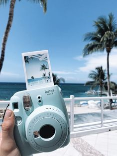 Ryydf Light Blue Aesthetic, Blue Aesthetic Pastel, Beach Aesthetic, Aesthetic Colors, Aesthetic Photo, Aesthetic Pictures, Film Aesthetic, Summer Aesthetic, Polaroid Camera Pictures