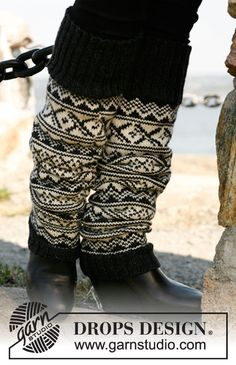 "Knitted DROPS long leg warmers with Norwegian pattern in ""Karisma"". ~ DROPS Design"