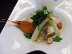 König Spargel lädt zur Audienz. 7 Kochtipps aus der Gourmetküche, damit Durchlaucht Spargel genüsslich geschlemmt werden kann http://www.loystubn.at/blog/loystubn/spargel-kochtipp-haubenkoch