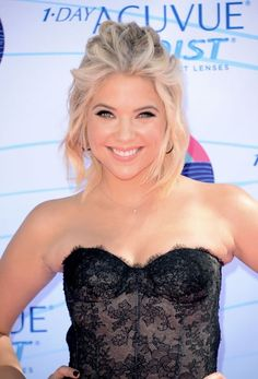 Pretty Little Liars star, Ashley Benson, looked gorgeous in our pave diamond hoop earrings at The Teen Choice Awards!