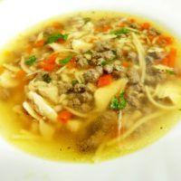 Recept : Sváteční kuřecí polévka s játrovou rýží a domácími nudlemi | ReceptyOnLine.cz - kuchařka, recepty a inspirace Thai Red Curry, Soup, Ethnic Recipes, Soups