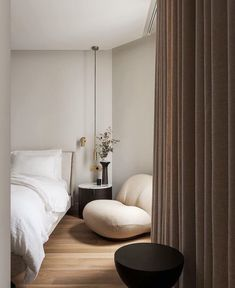 Dream Home Design, Home Interior Design, House Design, Home Decor Bedroom, Modern Bedroom, Bedroom Design Minimalist, New Bedroom Design, Aesthetic Bedroom, Apartment Interior