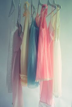 I don't know why, but even though I don't really look all that good in pastels and soft pieces like these, I have a strange aesthetic attraction to them.