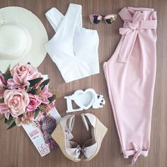 LOJA BELLACHIC Teen Fashion Outfits, Chic Outfits, Trendy Fashion, Girl Fashion, Summer Outfits, Womens Fashion, Pants Outfit, My Outfit, Casual Looks