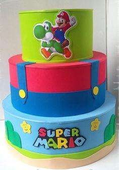 bolo super mario fake #bolomario #bolosupermario #festamario #mariobros Bolo Super Mario, Super Mario Bros, Mario E Luigi, Birthday Cake, Gabriel, Desserts, Birthday Cakes, White Frosting, Cake Ideas