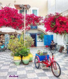 """""""Απολαύστε τις μικρές χαρές γιατί αν μια μέρα κοιτάξετε πίσω θα δείτε τελικά ότι αυτές ήταν,οι πιο μεγάλες χαρές της ζωής σας...""""R.Brault #travel_greece #loves_greece #travel_drops #igers_greece #kings_greece #urban_greece #kings_villages #greecetravelgr1_ #roundphot0 #wu_greece #streetart_addiction #great_captures_greece #exquisite_greece #heavenly_shotz #expression_greece #travelaroundtheworld2 #loves_greece_ #hdr_addiction #great_street_photos #greecelover_gr #super_greece…"""