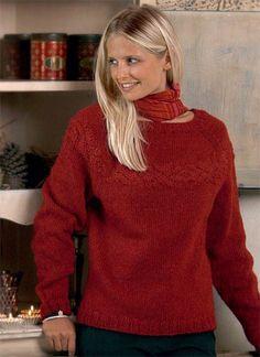 Her får du opskriften på en lækker hjemmestrikket sweater i den smukkeste røde farve.