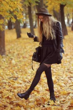 Autumn look by the blog 'Deadly in Love' #tights #autumn #look