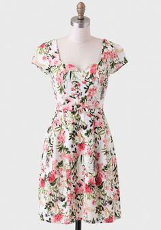 Screen Siren Floral Dress   Modern Vintage Florals