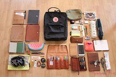 36 new ideas travel art bag life Mochila Kanken, Middle School Supplies, School Supplies Highschool, College School Supplies, College Bags, What's In My Backpack, School Survival Kits, School Suplies, School Essentials