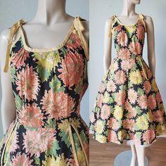 Vintage Summer Dresses, 50s Dresses, Cotton Dresses, 1950s Outfits, Vintage Outfits, Vintage Fashion, Rose Print Dress, Vintage Tops, Clothing Items