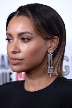 BRUNETTE: Face-Framing Highlights Hairgoodhousemag