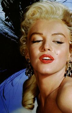 """jeannecrains: """"Marilyn Monroe for River of No Return (1954) """""""