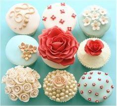 Maybe the most gorgeous cupcakes ever, and great colors!