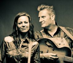 Joey and Rory. One of my absolute favorite singing couples.