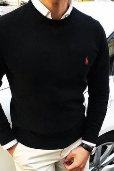 Black polo sweater // white shirt collar - Dress World for Men Fashion Mode, Suit Fashion, Mens Fashion, Fashion Black, Style Fashion, Trendy Fashion, Business Casual Men, Men Casual, Casual Wear