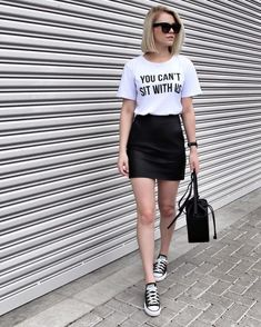 50 Leather Skirt Outfit Ideas For Every Fashionista Look Fashion, Fashion Outfits, Fashion Clothes, Street Fashion, Fashion News, Summer Outfits, Casual Outfits, Summer Skirts, Paris Mode