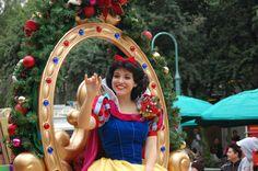Snow White - Christmas Parade