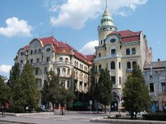 Oradea Visit Romania, My Ancestors, Places Ive Been, Beautiful Places, Places To Visit, Mansions, Architecture, House Styles, City