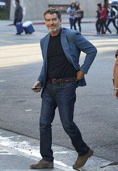 Men who are above the age of 50 are mature and sometimes very choosy also while selecting outfits for them. Some casual fashion for men over 50 that are pre Older Mens Fashion, 50 Fashion, Fashion Outfits, Fashion Trends, Fashion Ideas, Casual Fashion For Men Over 50, Casual Clothes For Men Over 50, Stylish Men Over 50, Casual Dress For Older Men