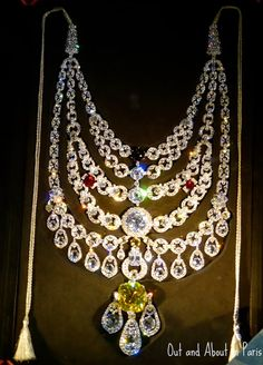 Cartier London, circa Platinum, diamonds, aquamarines It& January in France, which means that people are devouring. Diamond Pendant Necklace, Diamond Jewelry, Diamond Necklaces, Emerald Jewelry, Jewelry Necklaces, Modern Jewelry, Fine Jewelry, Geek Jewelry, Contemporary Jewellery