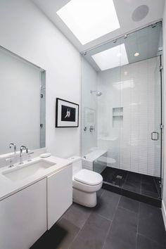 Bathroom / White / Shower / Glass