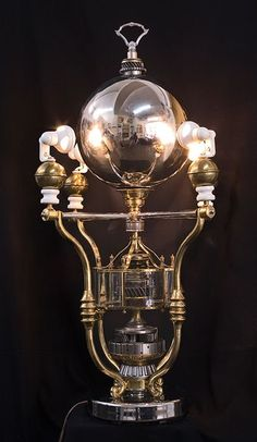 Gazing Glory, Mixed-Media Steampunk Lamp by Larry Frederick. Casa Steampunk, Lampe Steampunk, Steampunk Gadgets, Steampunk Design, Steampunk Costume, Steampunk Fashion, Steampunk Clothing, Gothic Fashion, Neo Victorian