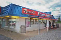 A Lake of the Ozarks icon, Randy's Frozen Custard. On hot summer nights you can hardly get near the place. Just another reason we love it at Lake of the Ozarks