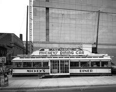 Mickeys Vintage Diner Reprint Old Photo 50s Diner, Vintage Diner, Vintage Mickey, Vintage Florida, Vintage California, Unusual Buildings, American Diner, Unique Restaurants, Free Park