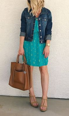 Thrifty Wife, Happy Life: Simple Spring Outfit Don't like the bag or shoes Mom Outfits, Outfits For Teens, Casual Outfits, Cute Outfits, Spring Dresses Casual, Spring Outfits, Summer Dresses, Casual Summer, Outfit Trends