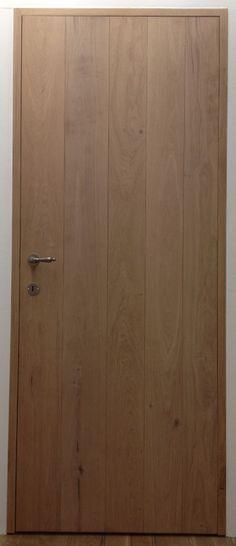 """Eiken binnendeur """"Allure"""" - blokkozijn www. Rustic Doors, Wooden Doors, Build A Closet, Concrete Wood, House Doors, Love Your Home, Rustic Contemporary, Internal Doors, Door Design"""
