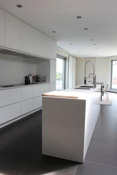 appartement ternat 2010 (strak, wit, grijs)