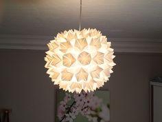 Rispapir lampe fra ikea med servietter limet p med limpistol ligner bare 1 - Suspension papier ikea ...