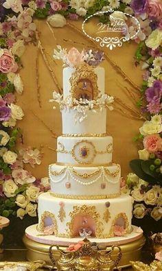 WEDDING CAKE BAROQUE by Fées Maison (AHMADI)